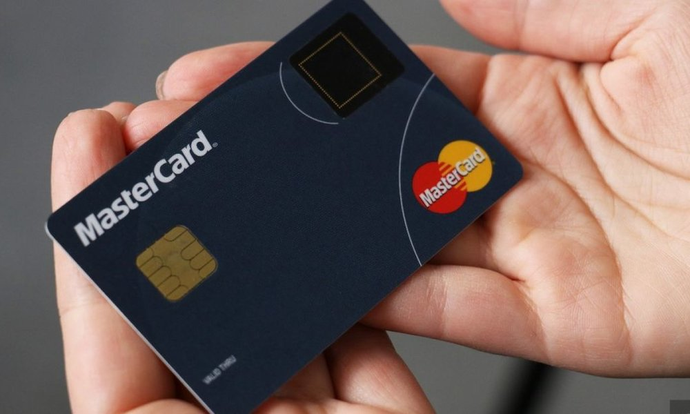 Mastercard zavádza biometriu ako nový štandard pre bezpečnejšie nakupovanie  online d8797a9c048