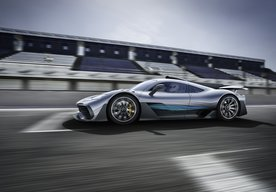 Photo Mercedes-Benz na autosalóne s novou Triedou A i super športom Project ONE