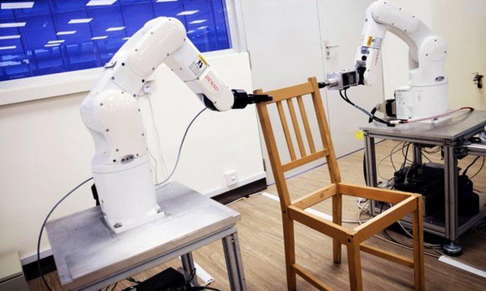 5b1b52623 Robot sa naučil samostatne poskladať stoličku IKEA. Trvalo mu to len 20  minút
