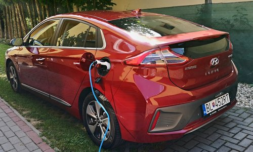 Photo ELEKTROMOBILITA: Dlhodobý test Hyundai IONIQ Electric
