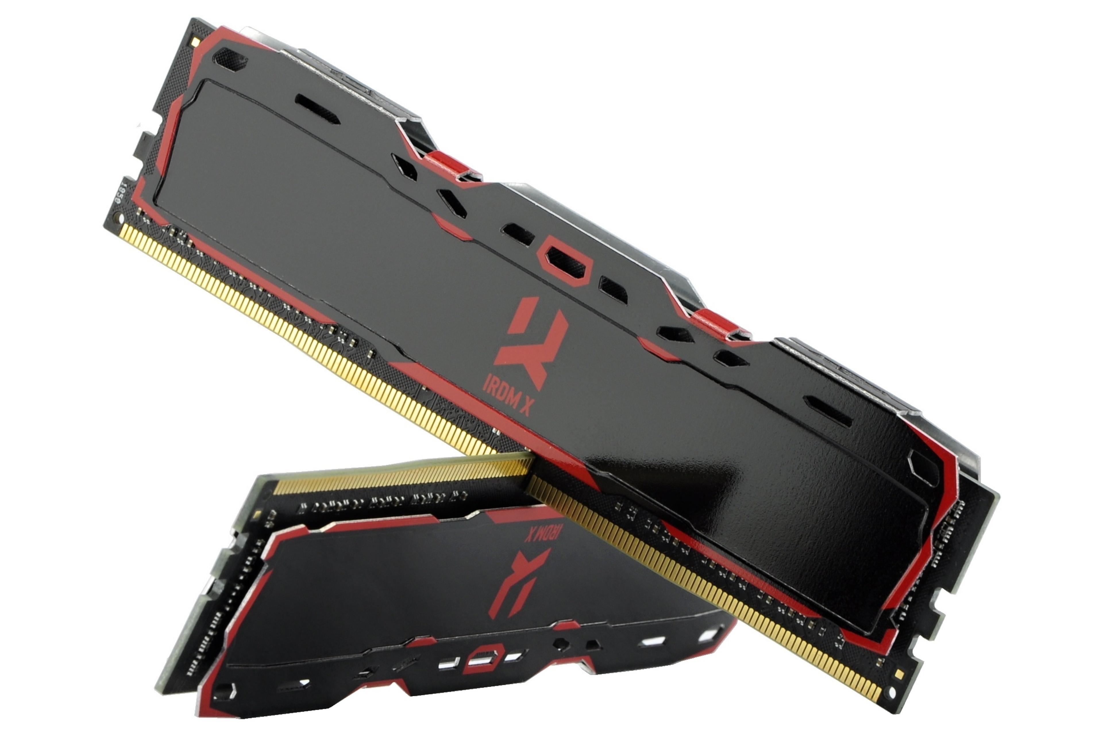 08dce0d1c Obe súpravy RAM skrášľujú plechové kryty. Tie majú, samozrejme, aj  chladiacu funkciu, no praktický význam je rýdzo estetický. Špeciálne v  tomto prípade, ...