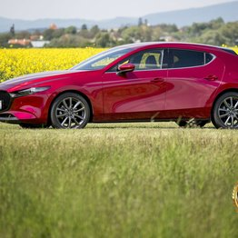 Photo Mazda 3 hatchback G122 / Koncept pretavený do reality