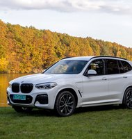 Photo BMW X3 xDrive 30e / Úsporný elegán